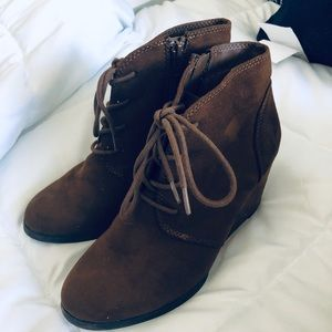 American rag wedge booties